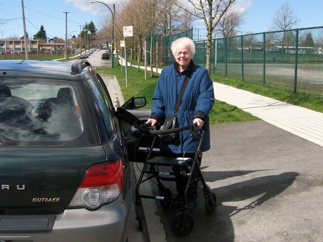 Transportation for seniors on outings